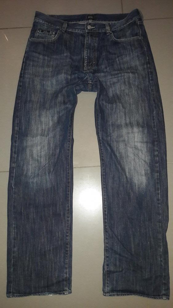 Spodnie jeans męskie Boss W34L32