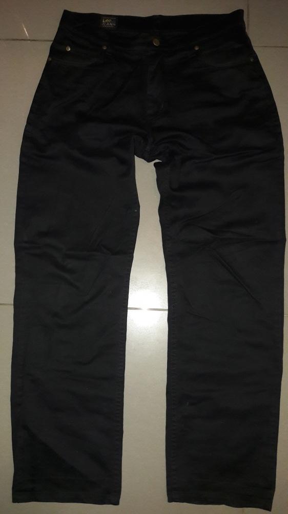 Czarne spodnie Lee Brooklyn W33L34