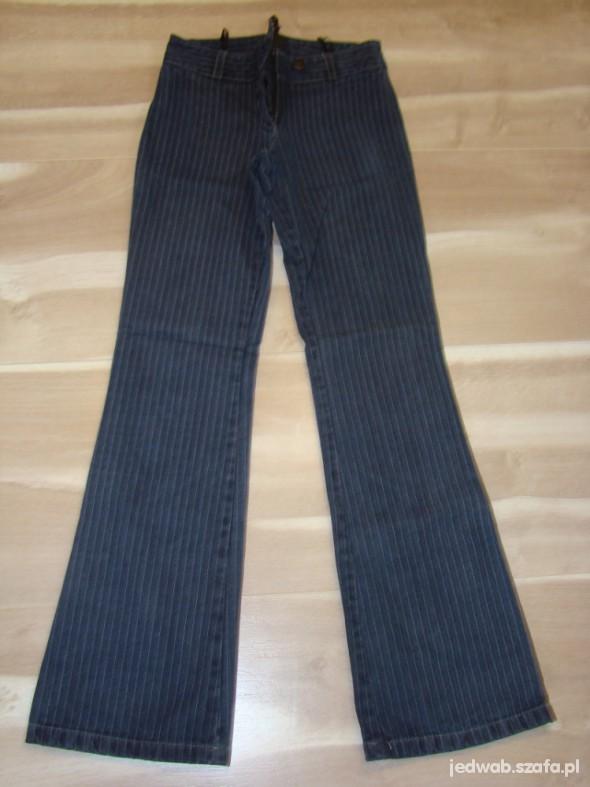 Prążkowane jeansy Ryłko XS S