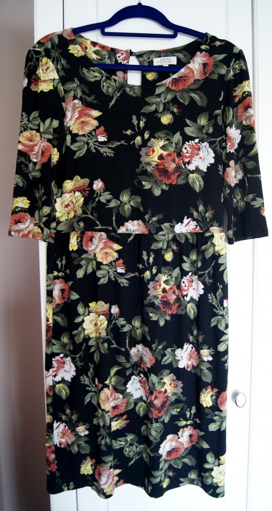 Sukienka midi w kwiaty...