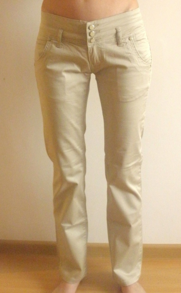Spodnie Spodnie biodrówki prawie nowe