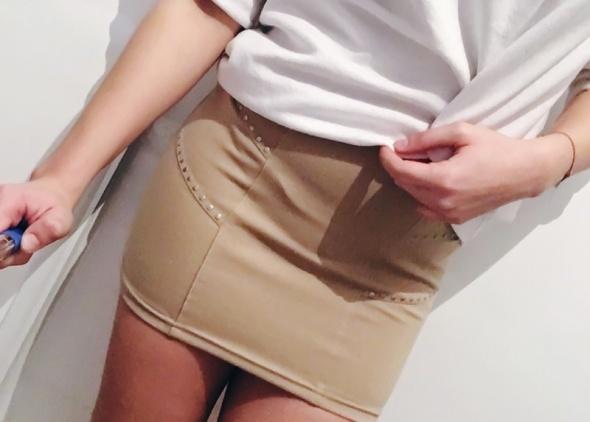 dopasowana spódniczka ołówkowa mini nude Cropp S
