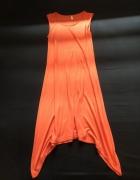 pomarańczowa letnia sukienka z dłuższymu bokami...