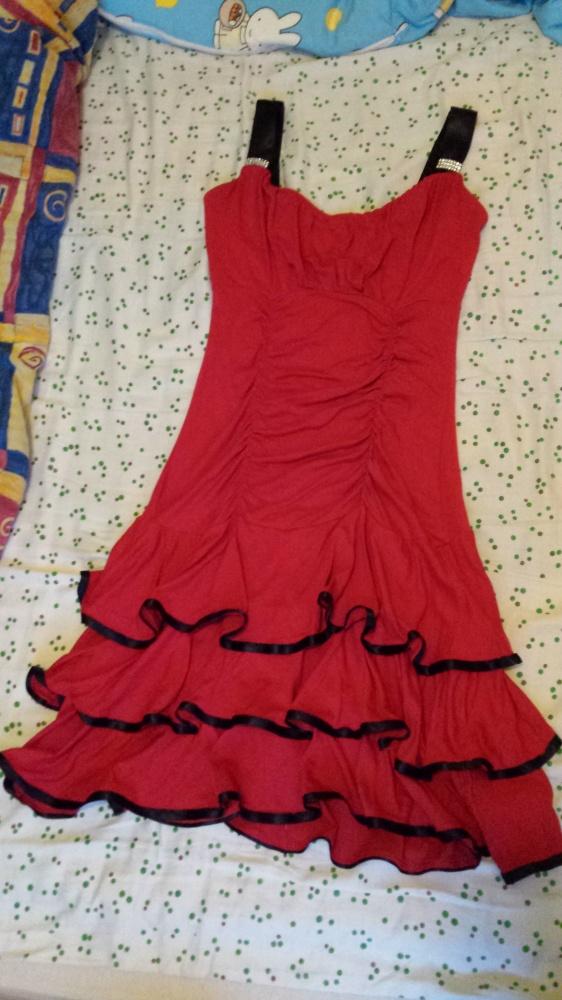 Super Sukienka z falbankami