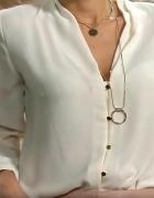 biała koszula złote guziki...