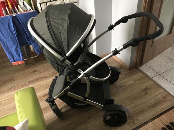 Wózek dla rodzeństwa rok po roku