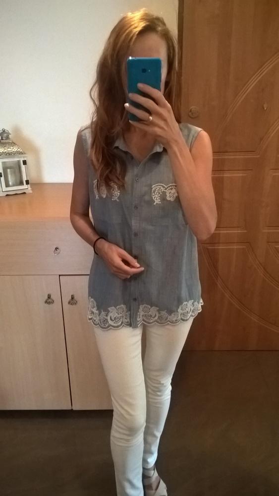 Bluzka koszulowa z białym haftem 44 46