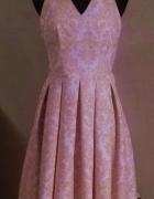 Rozkloszowana plisowana sukienka MOCHITO M38