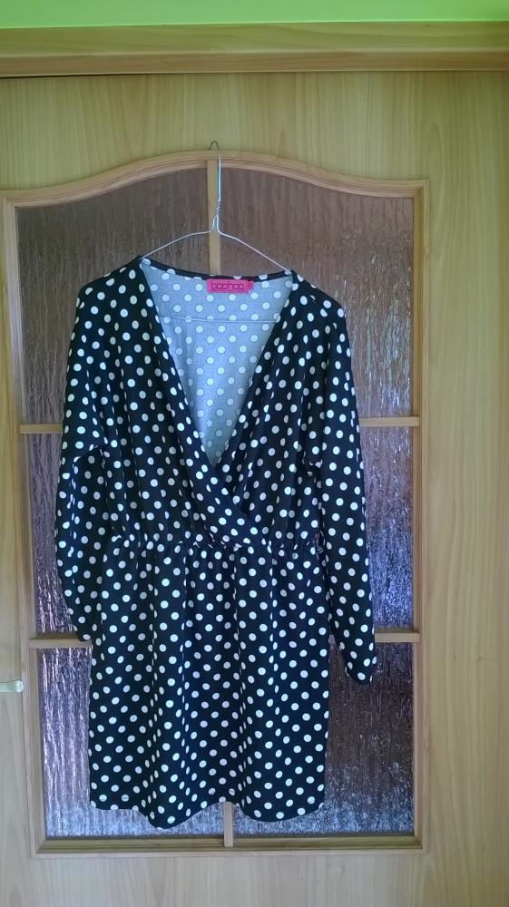 Sukienka w kropki dzianina kopertowa boohoo 38 40