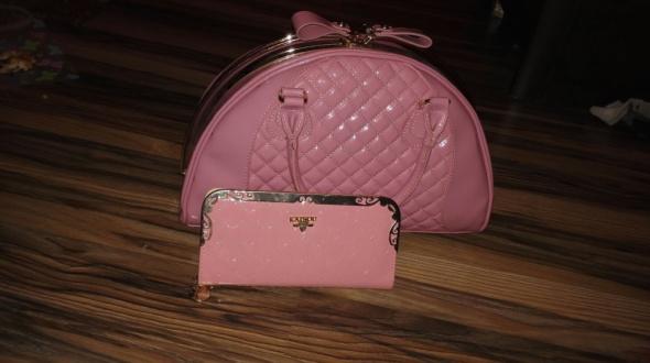 pikowana lakierowana pudrowy róż portfel gratis
