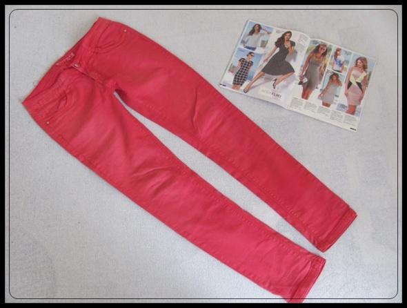 Spodnie jeansowe rozmiar M i L nietypowy kolor