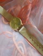 Zegarek z serduszkami...