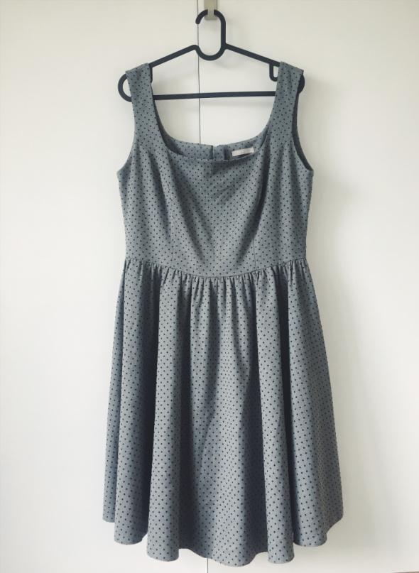 sukienka odcinana w pasie szara w kropki ORSAY 40 42...