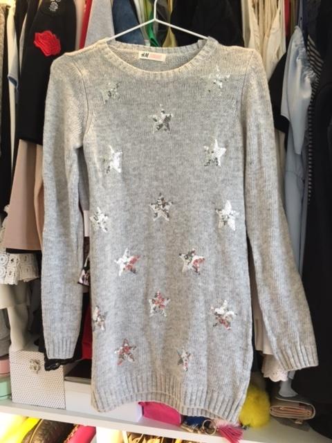 Swetry Szary długi sweterek S H&M gwiazdki