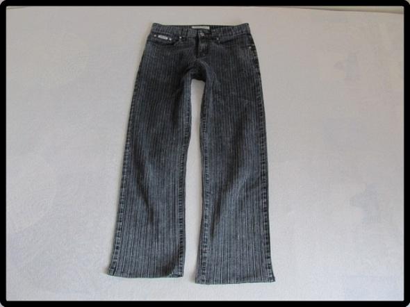 Spodnie męskie rozmiar 30 dla szczupłego pana