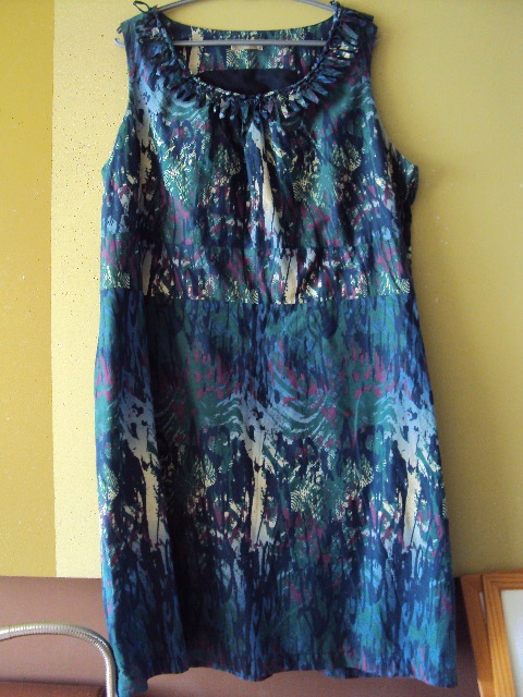 bawełniana sukienka w mazaje