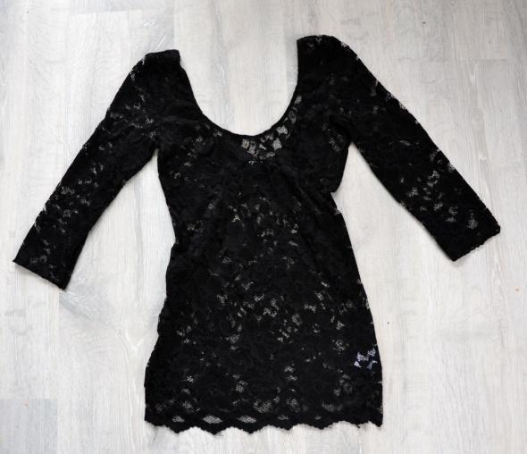 Czarna koronkowa bluzeczka ASOS
