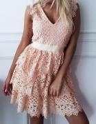 Sukienka gipiura...