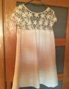 Biała sukienka z koronką...