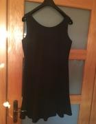 Czarna studniówkowa sukienka...