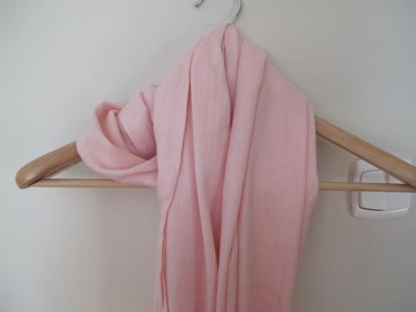 Różowy pudrowy szalik H&M