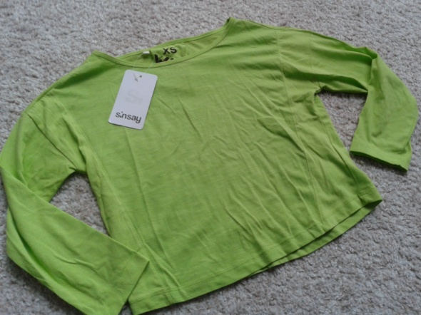 crop top krótka koszulka z rękawem odsłaniająca