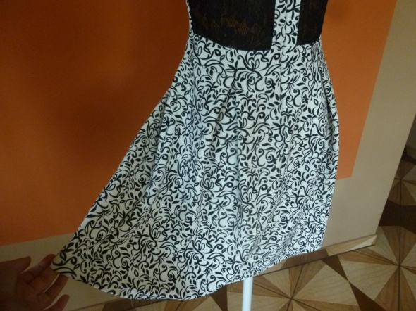 Elegancka nowa sukienka M