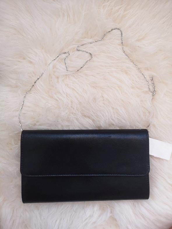 Torebka kopertówka z łańcuszkiem czarna nowa