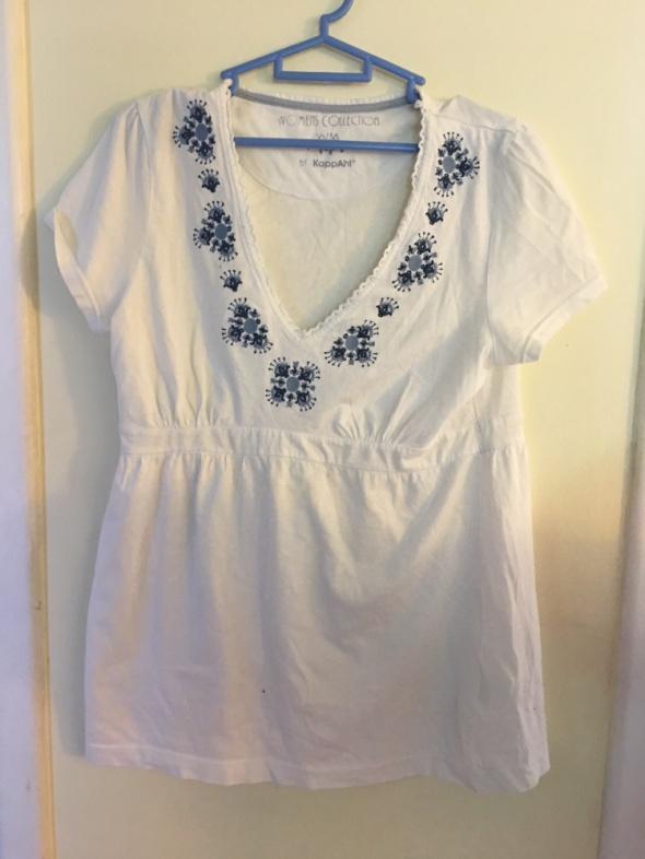 Biała ludowa bluzka