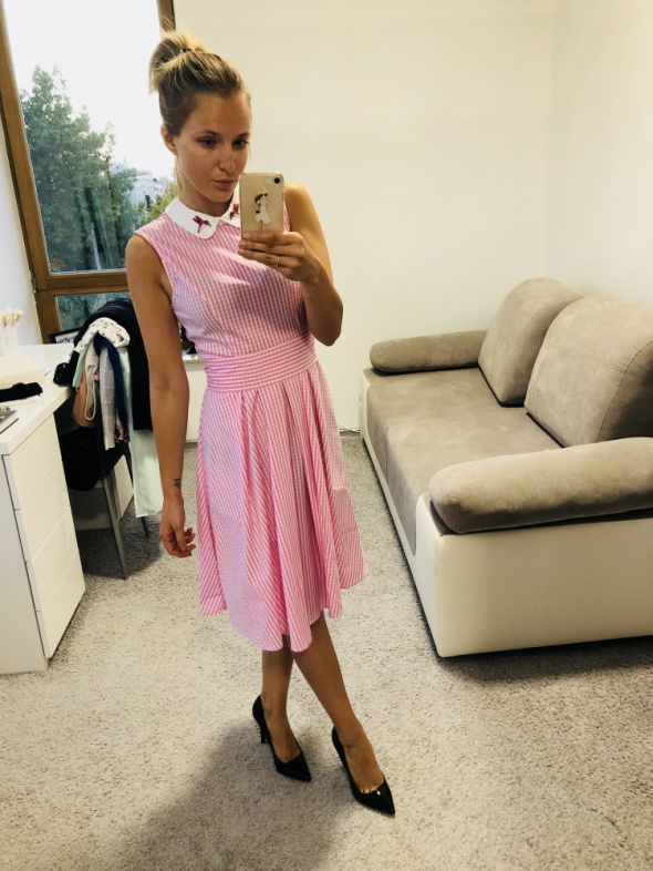 Sukienka w kratkę Mohito