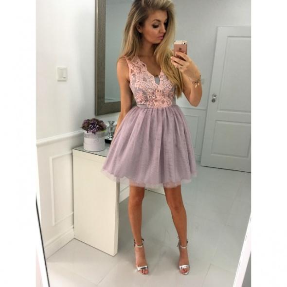 Honey Tiulowa sukienka ILLUMINATE