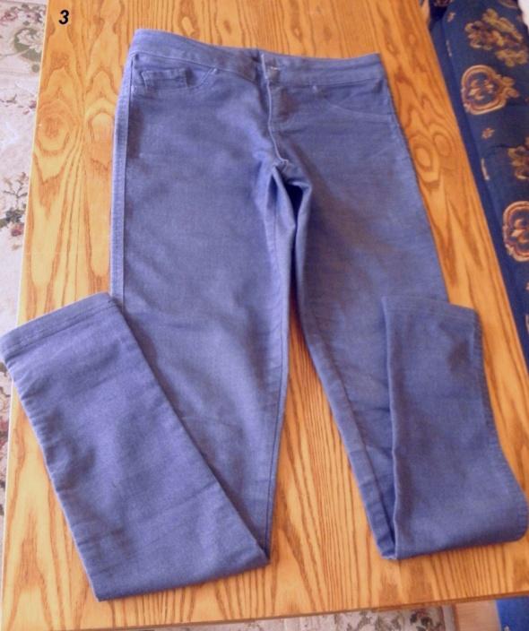 Super wygodne spodnie leginsy w kolorze niebieskim