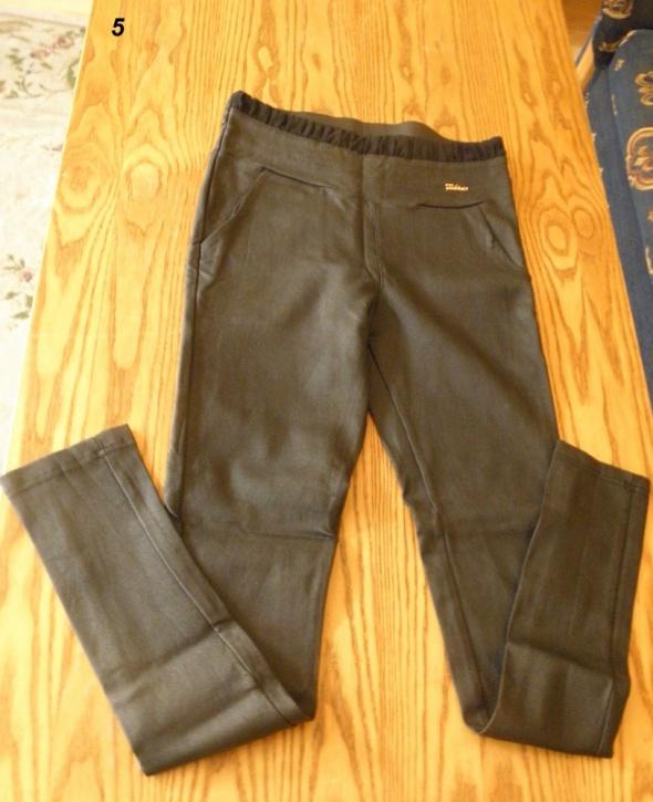 Dopasowane leginsy spodnie bardzo wąskie