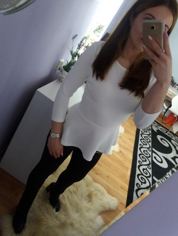 Biała elegancka bluzka baskinka Bik Bok...