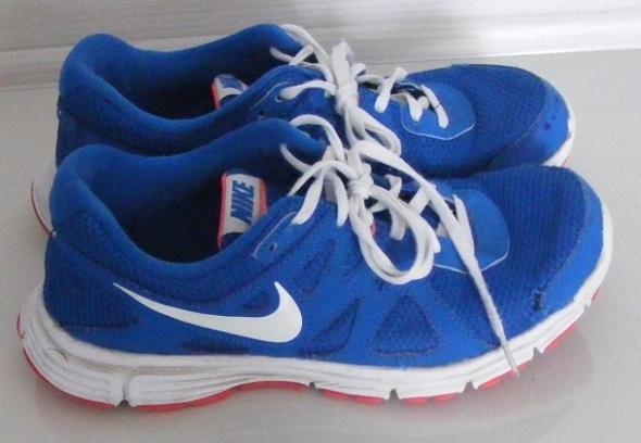 Nike Revolution 2 GS Rozmiar 40