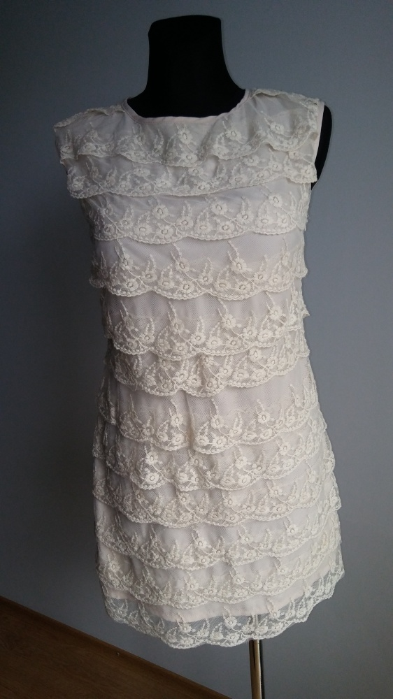 Sukienka koronkowe falbanki...