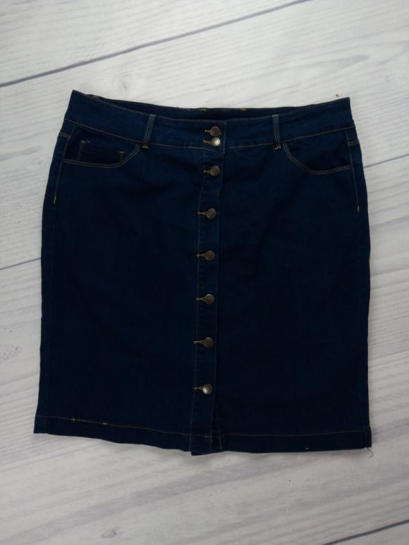Ciemna jeansowa dżinsowa granatowa spódnica zapinana na