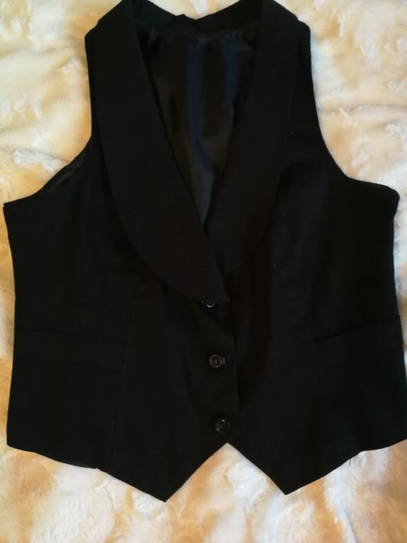 Czarna elegancka kamizelka garniturowa na guziki hit