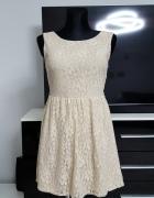 koronkowa beżowa sukienka Atmosphere...