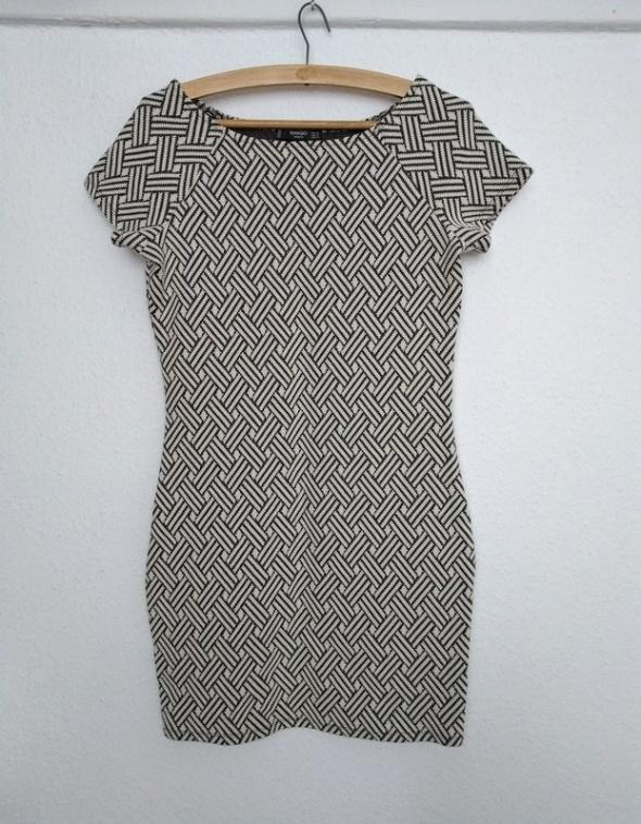 Sukienka ecru z teksturą rozmiar M Mango