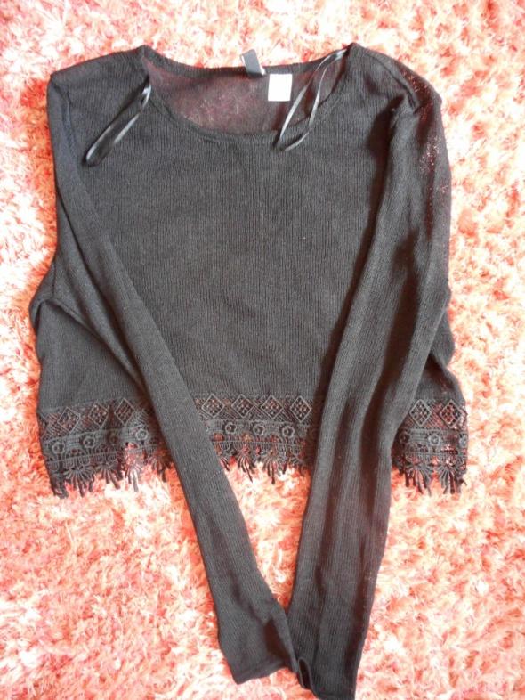 Krótki sweterek