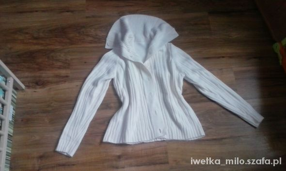 biały ecru sweter kardigan