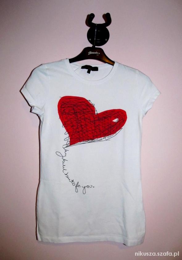 biała bluzka z sercem