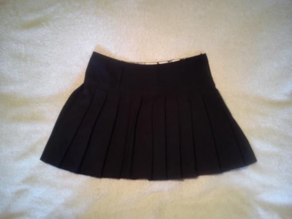 Spódnice Plisowana czarna spódniczka