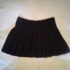 Plisowana czarna spódniczka