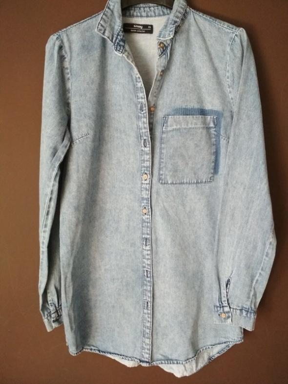 Długa jeansowa koszula SinSay