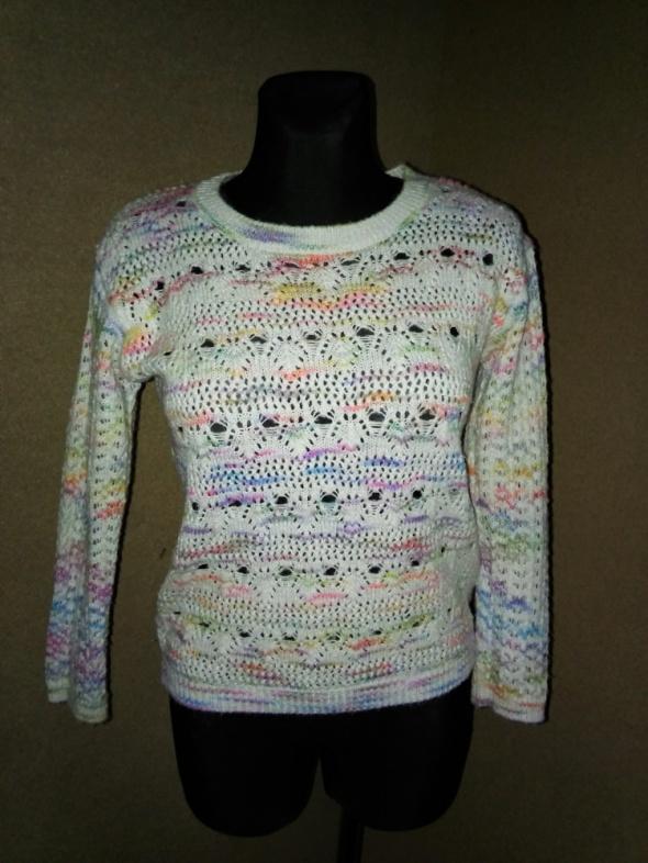 Pastelowy ażurowuy sweterek New Look 38