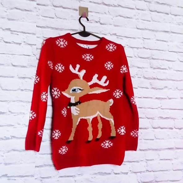 Czerwony akrylowy sweterek święta renifer lampki świeci się