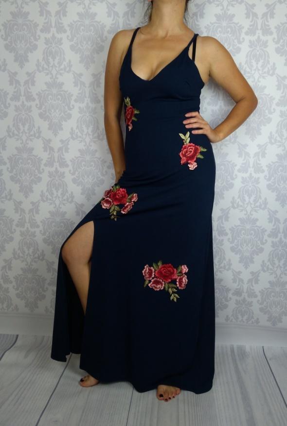 Maxi granatowa sukienka haftowane róże Club L nowa
