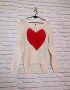 Free Quent plus size Kremowy sweterek wzór motyw czerwone malin...